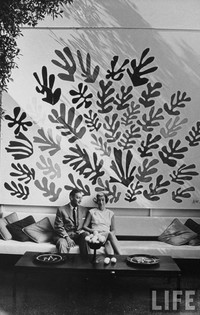 Sidney and Frances Brody pictured in their home with Matisse's La Gerbe